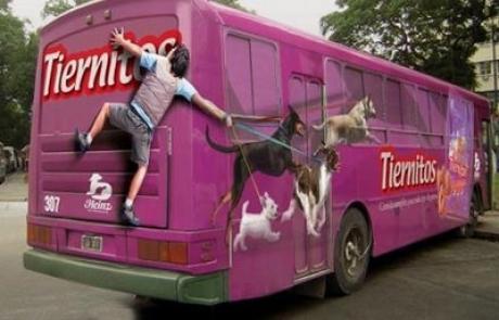 Publicité amusante sur un bus